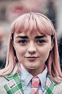 Maisie Williams Paris Fashion Week Autumn Winter 2019.jpg