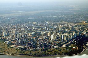 Maputo seen from southeast - October 2006.jpg