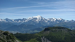 English: The Mont Blanc Massif Français : Le M...