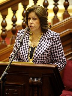 Lourdes Flores Peruvian lawyer and politician