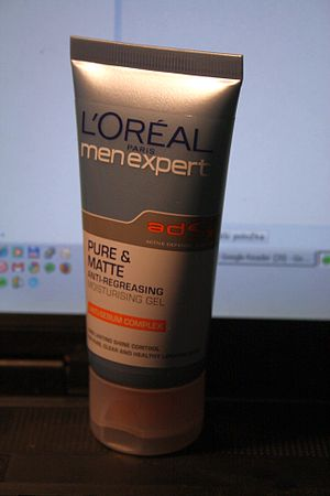 Men Antiregreasing gel by L'oreal Men.
