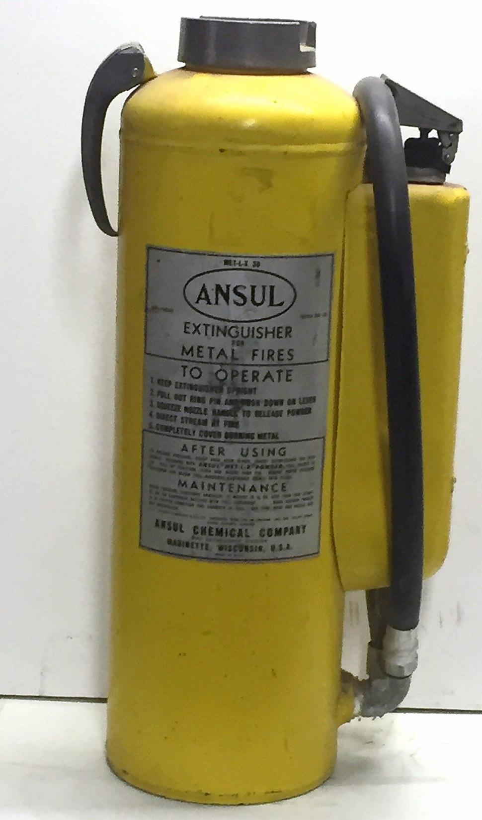 Met-L-X fire extinguisher, 1950s