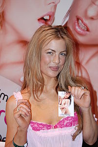 Mia Presley at AVN Adult Entertainment Expo 2008 2.jpg