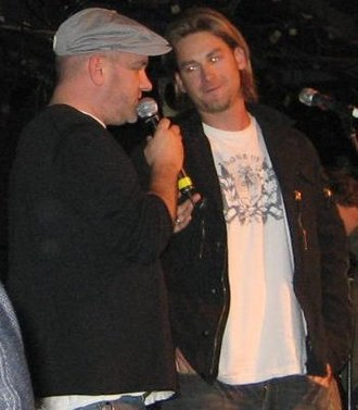 Mike O'Malley - O'Malley (left) with Bronson Arroyo at a charity fundraiser in 2008