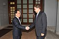 Ministru prezidents Valdis Dombrovskis tiekas ar Honkongas īpašā administratīvā reģiona vadītāju (5827803901).jpg