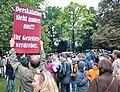 MittlererSchlossgartenDemonstranten 2010-09-30.jpg