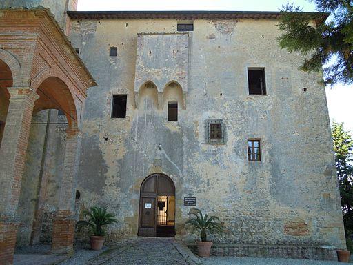 La facciata del monastero di Sant'Anna in Camprena