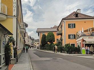 Mondsee (town) - Image: Mondsee, straatzicht 1 foto 1 2011 07 29 15.05