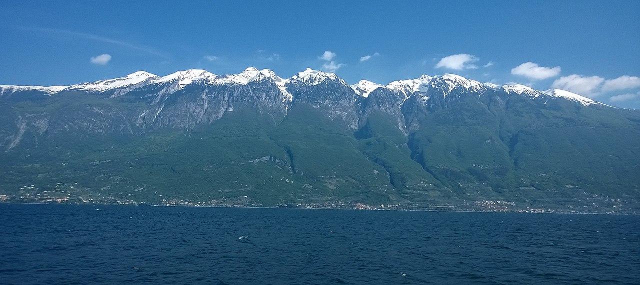 Il Monte Baldo visto da Campione del Garda