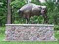 Monument bison bonasus zwierzyniec bialowieza forest beentree.JPG