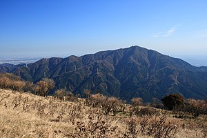 Mt.Oyama from Mt.Sannoto 01.jpg