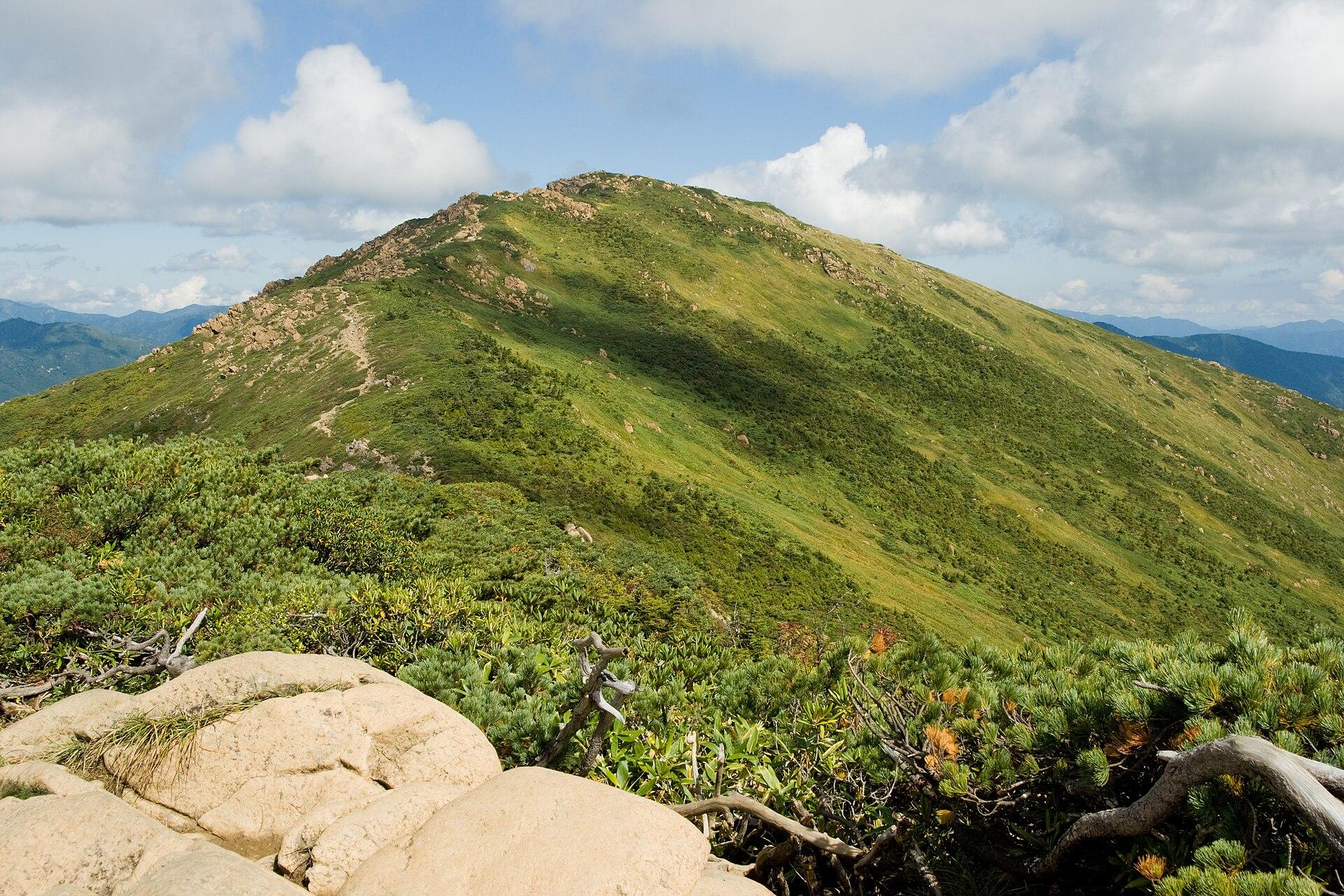 Mt.Shibutsu 01.jpg