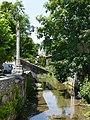 Mussy-sur-Seine - Rivière et croix monumentale - 1.jpg