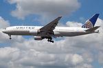 N204UA Boeing 777 United (14764533636).jpg