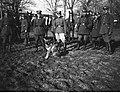 Narcyz Witczak-Witaczyński - Oficerowie i żołnierze Szwadronu Przybocznego Naczelnika Państwa na terenie koszar przy ulicy 29 Listopada (107-15-5).jpg