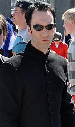 Neo and Agents Smith (cropped).jpg