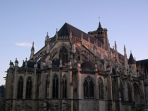 Nevers Chevet de la Cathedrale.jpg
