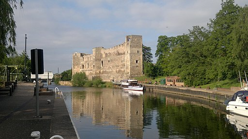 Newark Castle, 06-2013 (01)