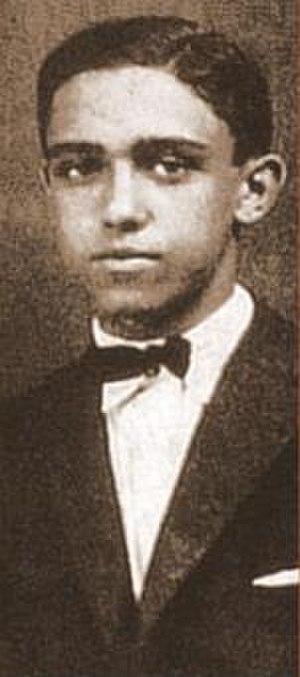Oscar Niemeyer - Niemeyer in 1917