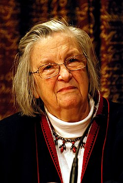Retrach de Elinor Ostrom