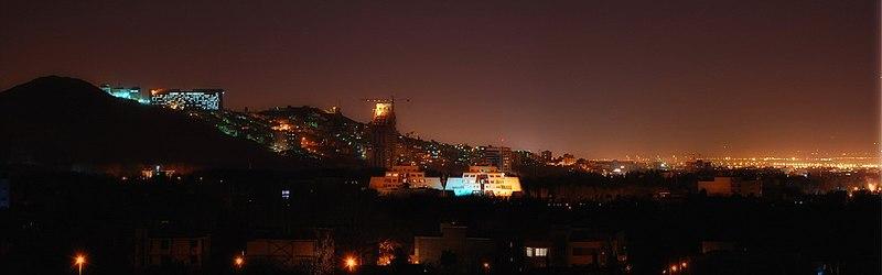 نمایی از شیراز در شب