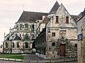 Noyon, Kathedrale, Chor, Bibliothek des Domkapitels.jpg