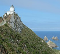 Nugget Point lighthouse cropped.jpg