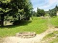 Oberkirch, Schauenburg, Burghof, Brunnen.jpg
