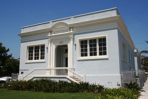 Santa Monica Public Library - Ocean Park Branch library as it appeared in 2011)