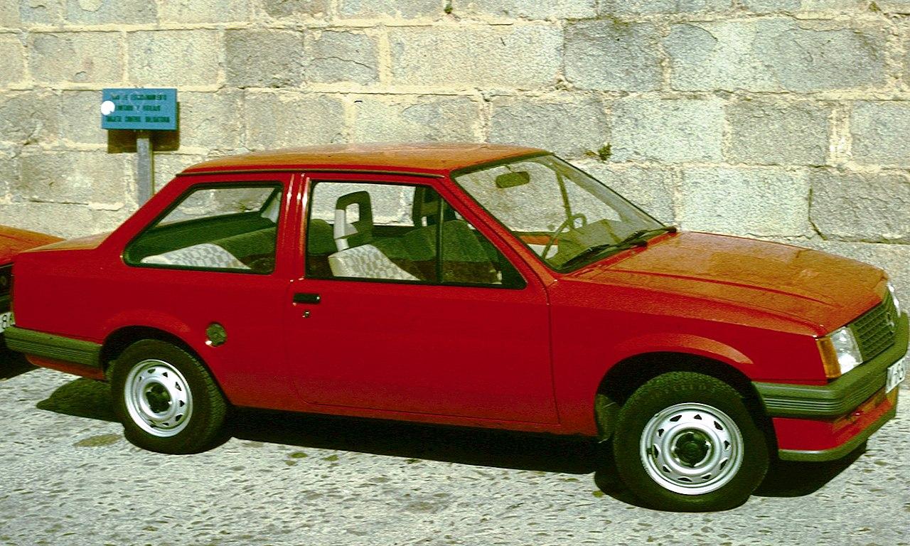 Ci mancava solamente il Corriere della Sera... - Pagina 2 1280px-Opel_Corsa_2_door_notchback