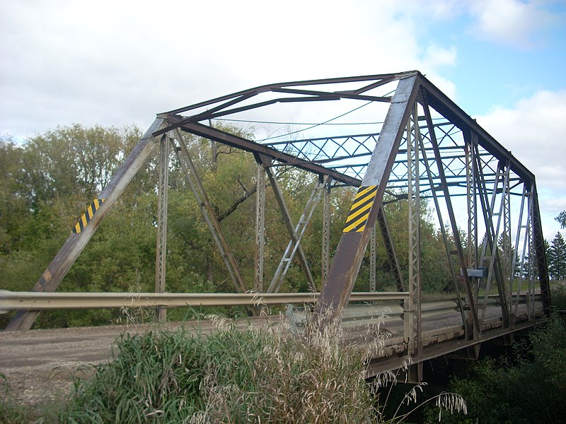 File:Ost Valle Bridge, Thompson, North Dakota.jpg