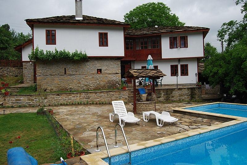 File:PARADISE IN SPASOVCI - panoramio - iavor71 (1).jpg