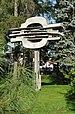 PL - Mielec - rzeźba Kantata mielecka (Ewelina Michalska), park Oborskich - Kroton 001.JPG