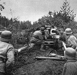 Battle of Tali-Ihantala - Finnish 7.5 cm Pak 40 antitank gun in action