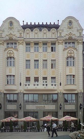 Hlavné námestie (Bratislava) - Image: Palác Uhorskej eskontnej a zmenárenskej banky