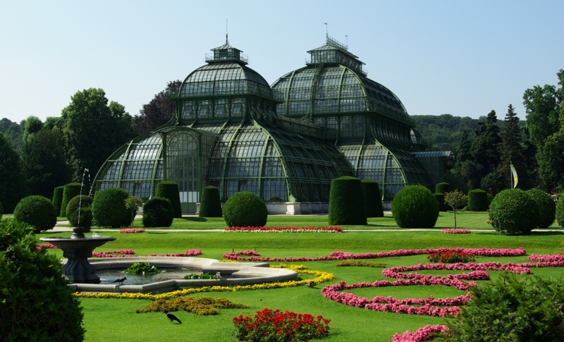 Datei:Palm House (Schönbrunn) seen from Palm House Parterre (from app. N).png