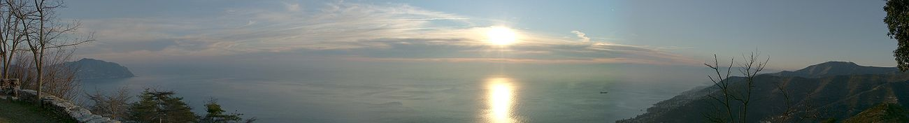 Panorama del Golfo Paradiso dal Monte Santa Croce