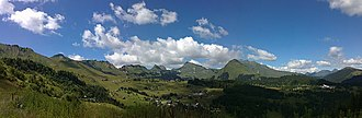 Praz de Lys-Sommand - Panoramic view of the plateau of Praz-de-Lys, seen from Planey