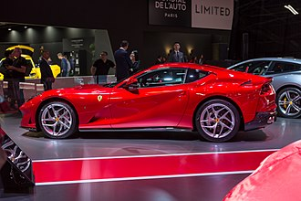 Ferrari 812 Superfast - The side profile of the 812 Superfast