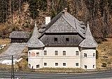 Paternion Kreuzen 32 Schloss Süd-Ansicht 06042018 2900.jpg