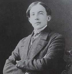 Paul Eluard vers 1911.jpg