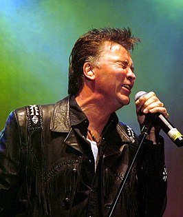 Paul Young in 2004