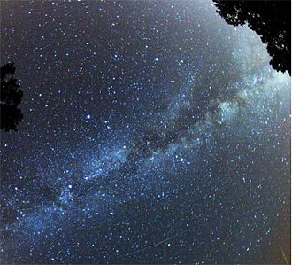 Starlight - Starry sky crossed with the Milky Way and a shooting star
