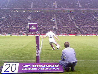 Jamie Lyon - Jamie Lyon kicking at goal for St. Helens in the 2006 Super League Grand Final victory over Hull F.C. at Old Trafford