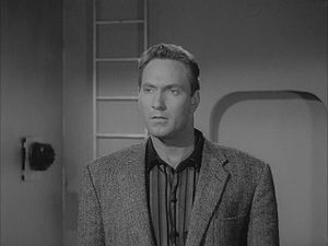 Plan 9 from Outer Space - Pilot Jeff Trent confronts the aliens.