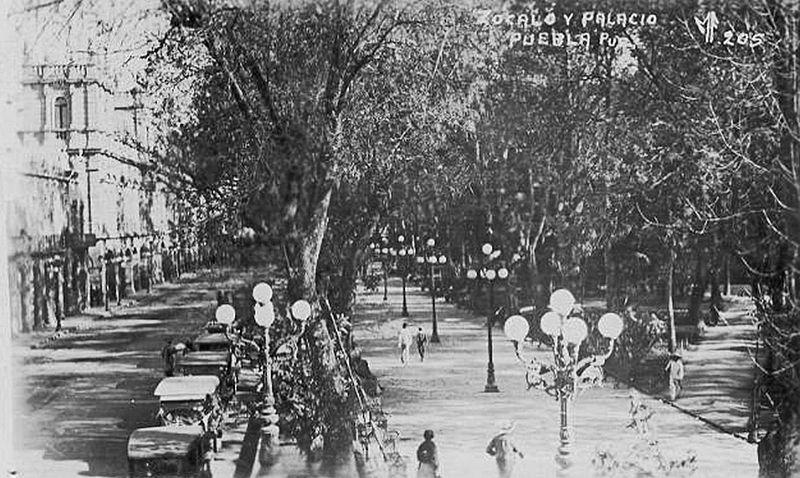 File:Plaza Pública de Puebla.jpg
