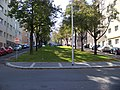 Pod Drinopolem, od ulice Nad Kajetánkou k ulici Mládeže.jpg