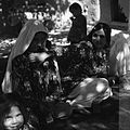 Podwórze w domu Soleh Muhammada. Wyrób kilimu - Qajsar - 002101n.jpg