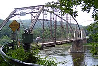Pond Eddy Bridge from Pennsylvania side downriver.jpg