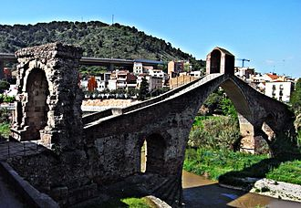 Pont del Diable - Pont del Diable, with the Roman arch at left
